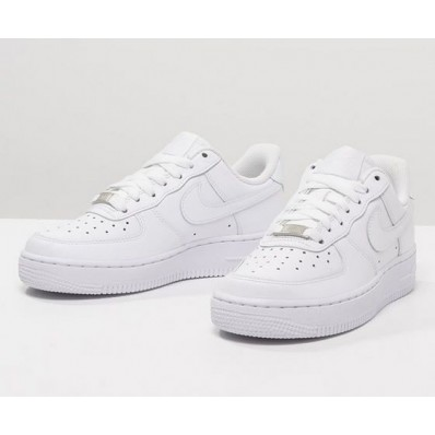 revendeur 4db7c 1e021 Nike Femme Nike Blanches Basket Blanches Blanches Nike ...