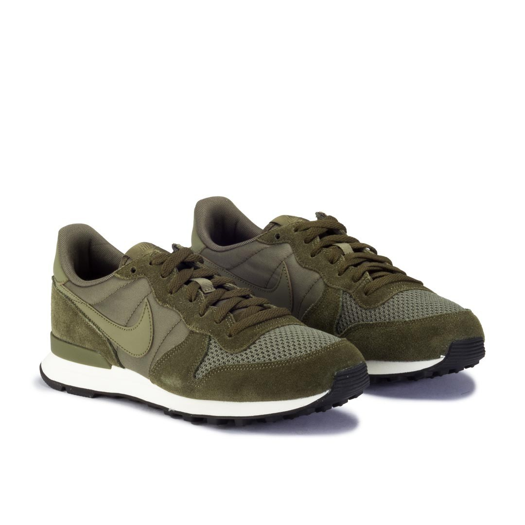 nike internationalist homme beige