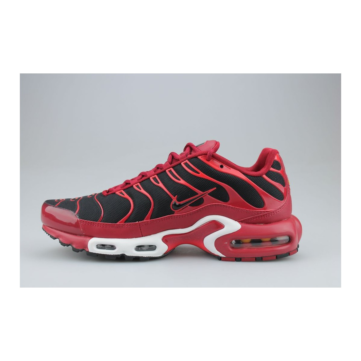 nike air max plus tn rouge et noir