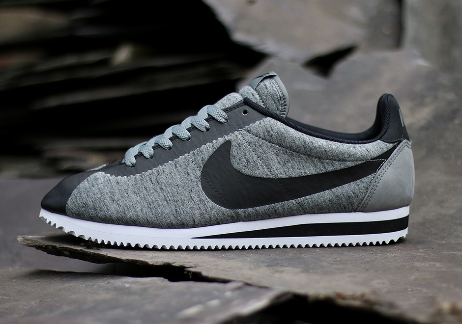 reputable site 0f77a 3256d canada nike cortez noir and or value d3ed7 17bce